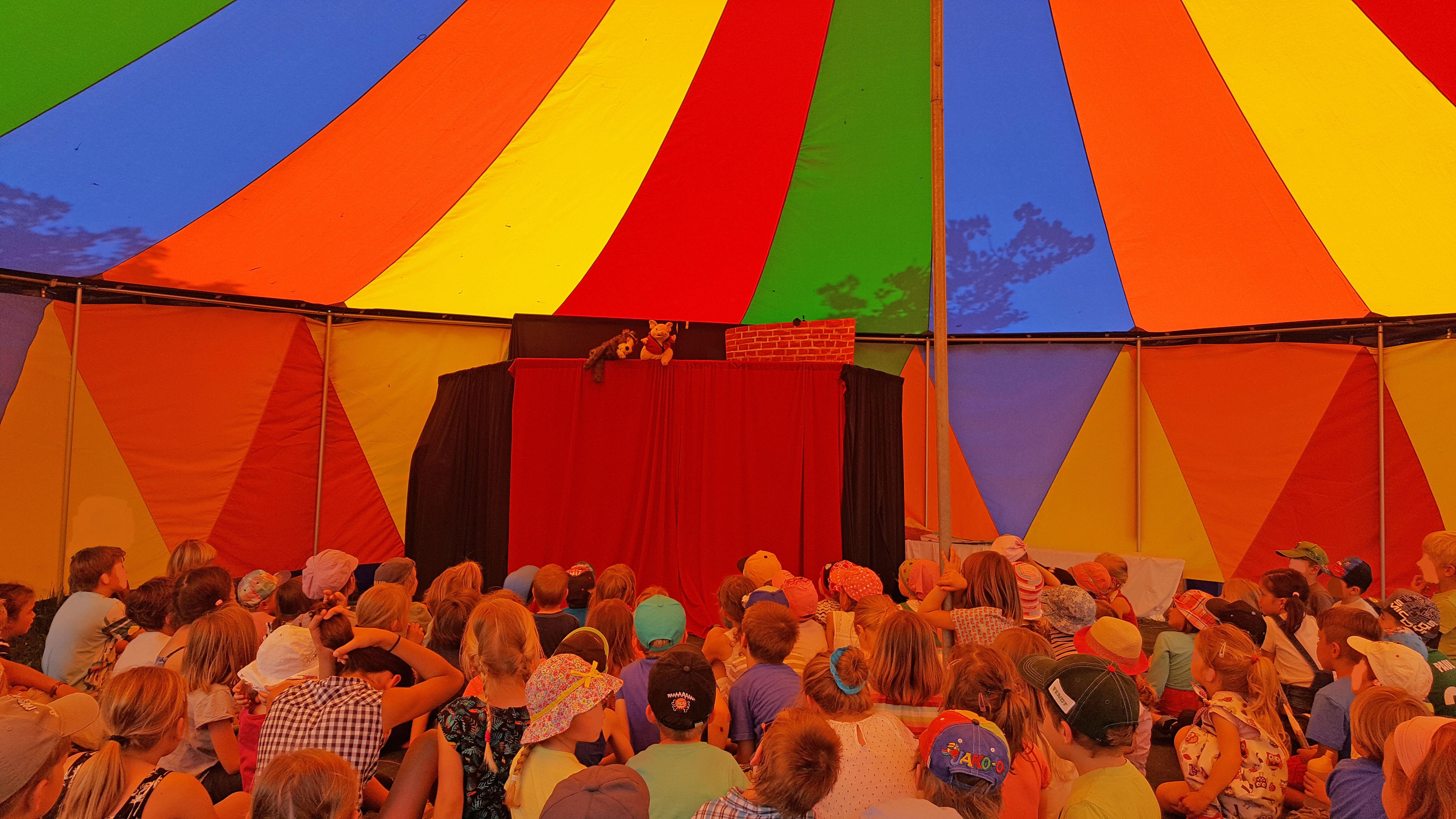 Bühne Zuschauer FS